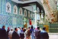 EYÜP SULTAN CAMİİ - Eyüp Sultan Türbesi Ramazanda Hep Açık