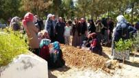 ADLI TıP - Gaziantep'te Cinnet Kurbanı Anne Ve 2 Kızı Yan Yana Defnedildi