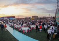 BELEDİYE BAŞKANI - Gaziosmanpaşa'da Mezuniyet Sevinci Yaşayan 3 Bin 500 Liseli Birlikte İftar Yaptı