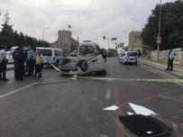 EDIRNEKAPı - İstanbul'da Otomobil Minibüse Çarptı Açıklaması 1 Ölü