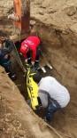 BAHÇELİEVLER - Kanalizasyon Çalışmasında Göçük Açıklaması 1 Yaralı