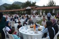 BELEDİYE BAŞKANI - Kozan'da Şehit Aileleri Ve Gazilere İftar