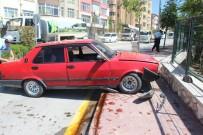 KAYABAŞı - Niğde'de Otomobil Kaldırımdaki Yayalara Çarptı Açıklaması 2 Yaralı