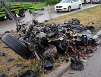 MEHMET YAŞAR - Otomobilin ikiye bölündüğü kazada 3 kişi yaralandı
