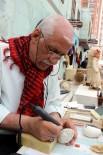 DEVE KUŞU - Engelli Sanatçı Hayalleri Yumurta Kabuğuna Aktarıyor