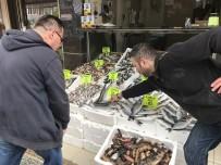 SU ÜRÜNLERİ - Ramazan Geldi, Balık Fiyatları Düştü