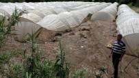 KURUDERE - Sağanak Yağışla Gelen Sel Çilek Seralarına Zarar Verdi