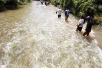 YILDIRIM ÇARPMASI - Sri Lanka Ve Doğu Hindistan'da Sel Açıklaması 200 Ölü