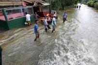 YILDIRIM ÇARPMASI - Sri Lanka Ve Doğu Hindistan'da Sel