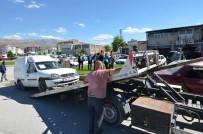 HURDA ARAÇ - Yeşilyurt Belediyesi Görüntü Kirliliği Oluşturan Hurda Araçları Kaldırıyor