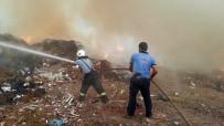İŞ MAKİNASI - Bürokrasiye Takılan Çöplükte Yine Yangın