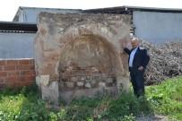 HALITPAŞA - Kaderine Terkedilen Tarihi Çeşme Restorasyon Bekliyor