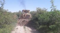 BOSTANCı - Kırkağaç'ın Bağ Yolları Bakıma Alındı