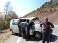 KAYABAŞı - Konya'da Minibüs Takla Attı Açıklaması 1 Ölü, 2 Yaralı
