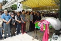 HAFTA SONU TATİLİ - Nişanlı Çift Kazada Hayatını Kaybetti