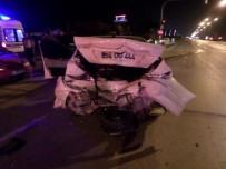 KARAKAMıŞ - Sakarya'da Zincirleme Trafik Kazası Açıklaması 2 Yaralı