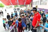 TÜRK YILDIZLARI - Yıldırımlı Çocuklar 'Türk Yıldızları' İle Uçtu