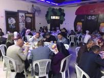 YURTTAŞ - Aileler İftar Açtı Minikler Gösteri Yaptı