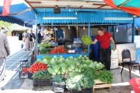 ALIM GÜCÜ - Balıkçı Tezgahları Meyve Ve Sebze Reyonuna Döndü