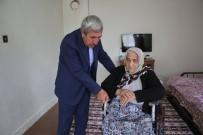 AHMET YıLMAZ - Başkan Şahiner'den Tekerlekli Sandalye Yardımı