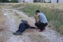 TOPLU TAŞIMA ARACI - İftar Saatini Beklerken Silahla Vuruldu