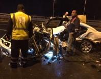MEHMET ÖZER - İzmir'de feci kaza: 3 ölü