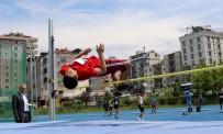BAYRAK YARIŞI - Okulsporları Yıldızlar Puanlı Atletizm Türkiye Birinciliği Trabzon'da Yapıldı
