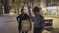 FENOMEN - Davulcu Kılığına Giren Sosyal Medya Fenomeni Zabıtaya Yakalandı