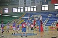 TEVFİK İLERİ - Rize'de Kurumlararası Voleybol Turnuvasının Galibi Hem Kadınlarda Hem Erkeklerde Milli Eğitim İl Müdürlüğü Oldu