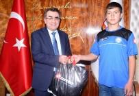 MEHMET CAN - Sivas Demirsporlu İkizler Türkiye Şampiyonu Oldu