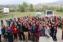 Üniversiteli Öğrenciler Berendi Köyünde Çocuk Şenliği Düzenledi