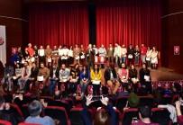 ŞEHİR TİYATROSU - Uşak Belediye Şehir Tiyatrosu Bir Sezonu Geride Bıraktı