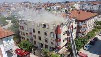 OKSIJEN - Çatıdaki Yangın Korkuttu