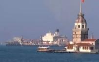 KIYI EMNİYETİ - Dev Gemi İstanbul Boğazı'nda