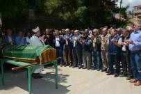 AHMET ÖZEN - Emekli Öğretmen Kalp Krizine Yenik Düştü