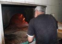 VAHDETTIN - Fırıncılar 80 derecelik sıcakta  oruç tutuyor
