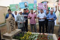 MAVİ MARMARA - Mavi Marmara Şehidi Fahri Yaldız Mezarı Başında Anıldı