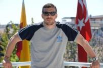 LUKAS PODOLSKI - Podolski, Türkiye'de son kez basının karşısına çıkıyor
