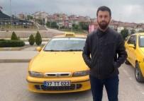 RECEP ŞAHIN - Taksisine Binen Adamdan Şüphelendi Ve...