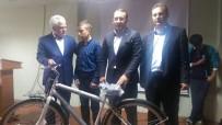 ABDURRAHMAN TOPRAK - Başarılı Ve İhtiyaç Sahibi 140 Öğrenciye Bisiklet Dağıtıldı