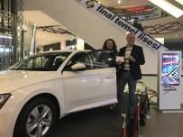 SKODA - Forum Erzurum'un Skoda Superb Talihlisi, Hediye Otomobilini Teslim Aldı