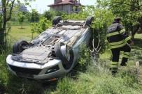 İSMAIL ERDEM - Hafif Ticari Aracın Çarptığı Otomobil Takla Attı Açıklaması3 Yaralı