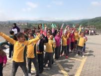 DİŞ FIRÇASI - İlkokul Öğrencilerine Diş Sağlığını Anlatıp Hediyeler Verdiler