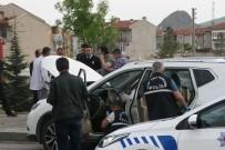 Polisin 'Dur' İhtarına Uymayarak Kaçan Oto Hırsızı Vurularak Yakalandı