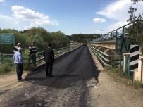ORÇUN - Regülatör Köprüsüne Sıcak Asfalt