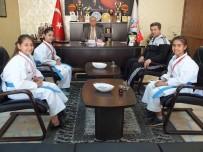 Şampiyon Karatecilerden Remzi Arkaltı'ya Ziyaret