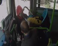 YOLCU TAŞIMACILIĞI - Halk Otobüsünde Bebek Arabası Kavgası