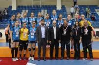 YENİMAHALLE BELEDİYESİ - Kadınlar Hentbolda Türkiye Kupası Yenimahalle'nin