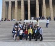ANıTKABIR - TEV'in Burslu Öğrencileri Anıtkabir'i Ziyaret Etti