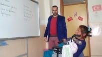 Engelli Kadın İlkokul Öğrencileriyle Okumayı Öğrendi